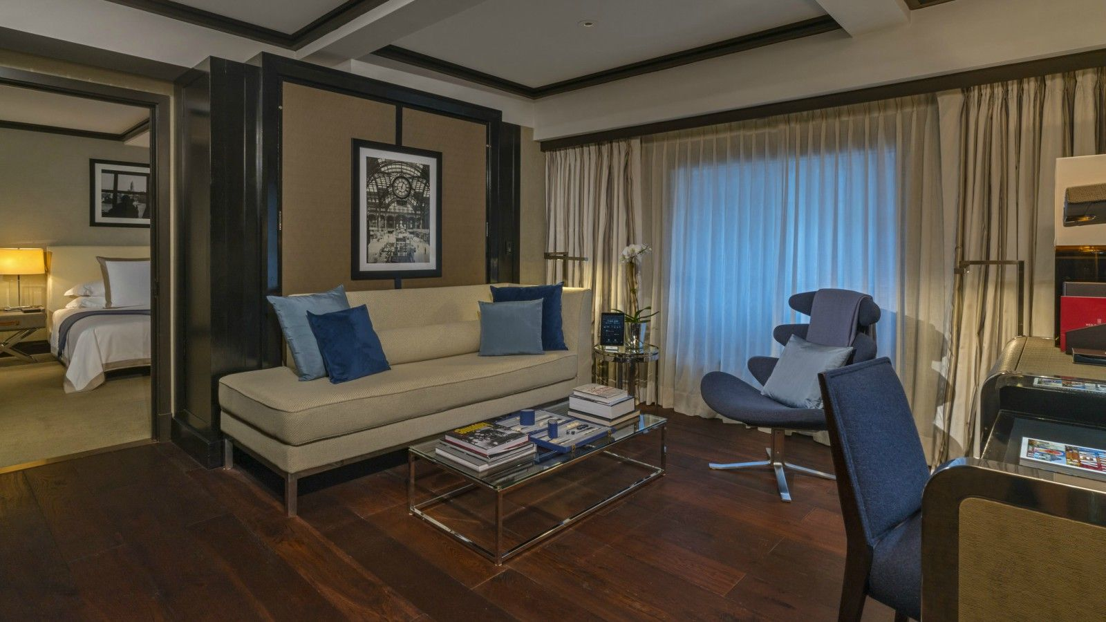 Manhattan Suite Living Room | The Chatwal, New York City